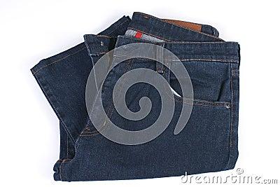 被折叠的蓝色牛仔裤
