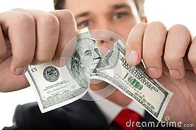 被撕毁的美元