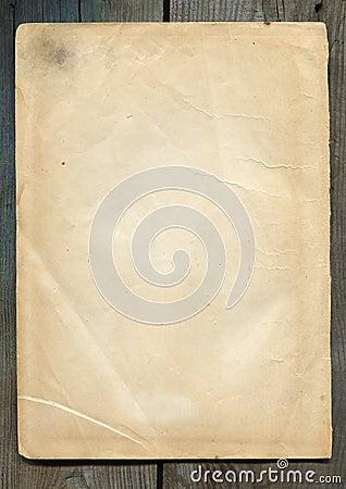 被染黄的纸张