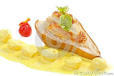被烘烤的梨用乳酪
