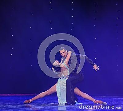要做分裂火鸟舞蹈这奥地利的世界舞蹈的古典 图库摄影片图片