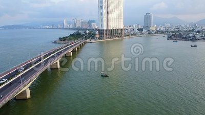 越南在路天线的桥梁自行车 影视素材
