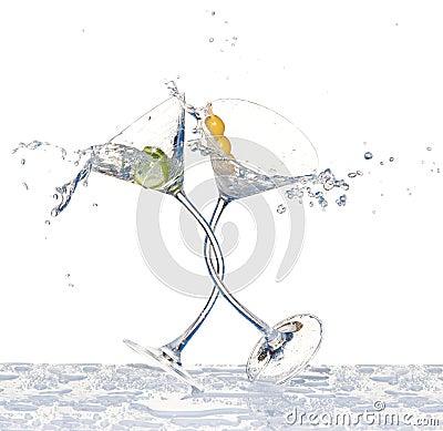 跳舞玻璃马蒂尼鸡尾酒