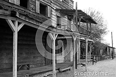 通配牛仔老的城镇西部美国