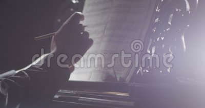 钢琴音乐钢琴演奏家现有量使用 乐器大平台钢琴细节 影视素材