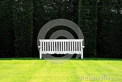长凳英语庭院