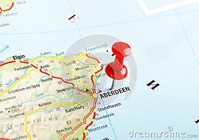 阿伯丁苏格兰,英国地图和别针-旅行概念.图片
