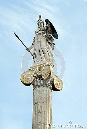 雅典娜,英勇努力和智慧古希腊的女神 雕象由雅典,希腊的学院的大门