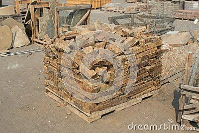 零售河岩石