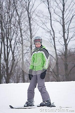 青少年的滑雪者