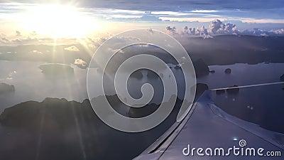 飞机翼在云彩天空的 股票视频