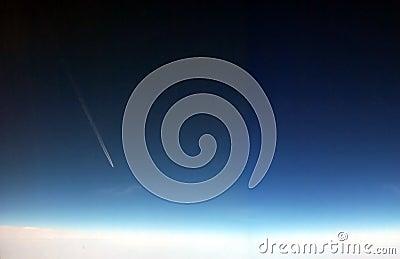 飞机高alttitude的飞行