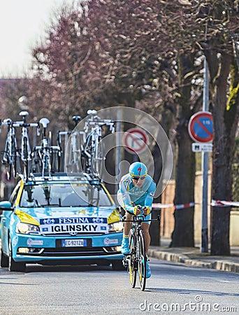 骑自行车者格言Iglinskiy-巴黎尼斯2013年序幕在Houille 编辑类库存图片