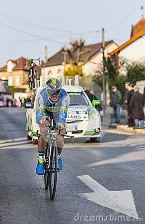 骑自行车者西蒙Gerrans-巴黎尼斯2013年序幕在Houilles 编辑类照片