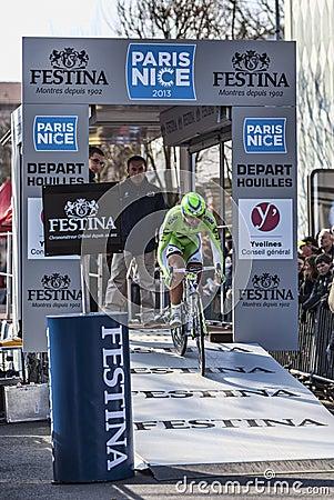 骑自行车者Ratto达尼埃莱巴黎尼斯2013年序幕在Houilles 编辑类库存图片
