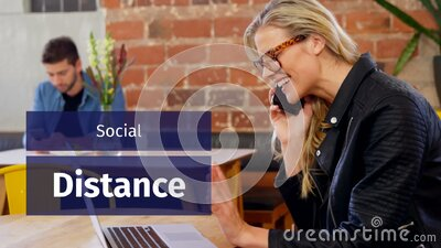 高加索人在咖啡馆工作的社交距离的动画 股票录像
