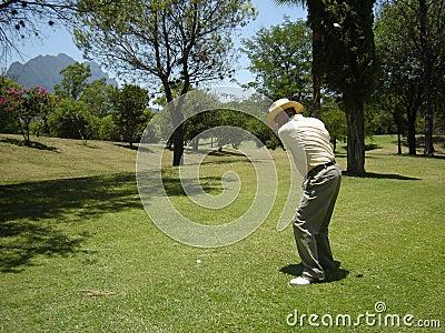 高尔夫球射击摇摆