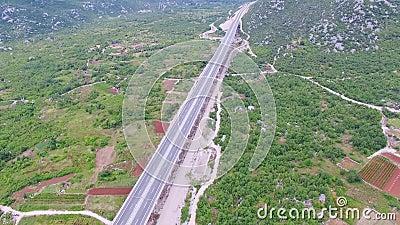 高架桥的鸟瞰图在高速公路的 影视素材