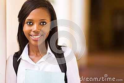 黑人玩2女_库存照片: 黑人女大学生