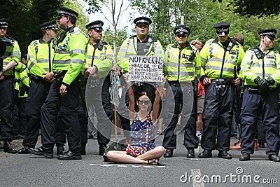 Διαμαρτυρίες Fracking Balcombe Εκδοτική Εικόνες