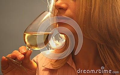 δοκιμάζοντας κρασί