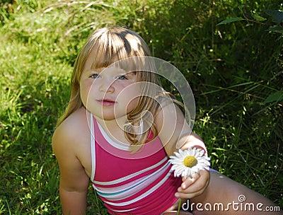 девушка цветка маргаритки