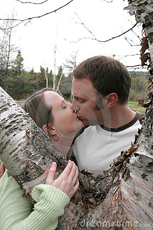 детеныши пар целуя