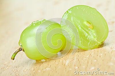 水多的绿色葡萄