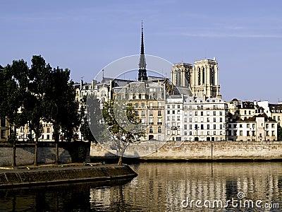 巴黎: Ile圣路易斯和Ile de la援引
