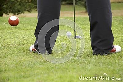 02驱动高尔夫球的球