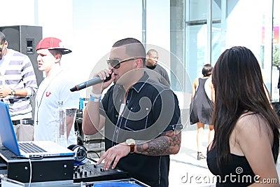 1 υπέρ ύφος του DJ Εκδοτική Στοκ Εικόνες