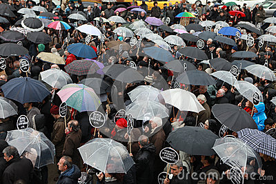 10,000 PROTESTERS WALKED UNDER RAİN FOR HRANT DINK. Editorial Stock Photo