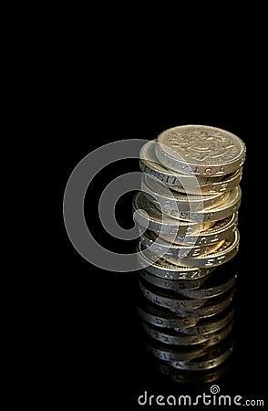10 £1 coins