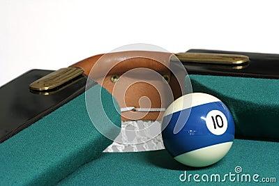 10 ball corner pocket