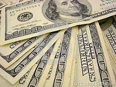 представляет счет доллар 100
