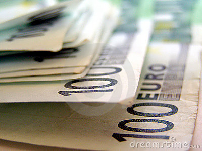 100欧洲欧元一百一个