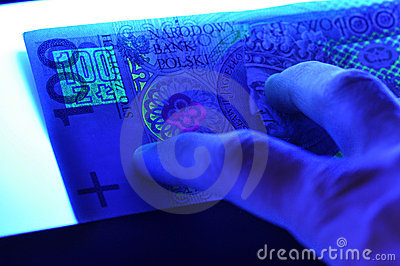 100 pln polnische Banknote im UV-Licht