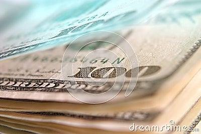 100 USD empilan macro