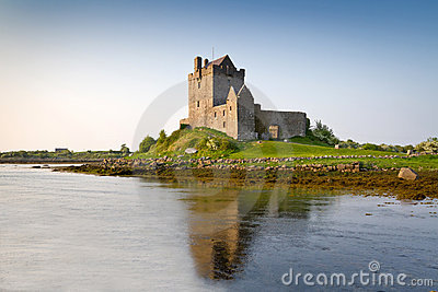 16th dunguaire столетия замока