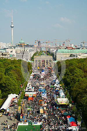 Free 17th Of June Street, And Brandenburg Gate Stock Photos - 40233483