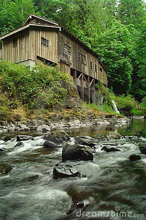 Free 1876 Grist Mill On Cedar Creek Stock Photos - 15950363