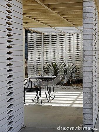 1950s Modernist garden: outdoor room