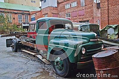 1951 international l-170 series