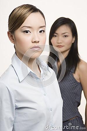 2 bizneswomanu