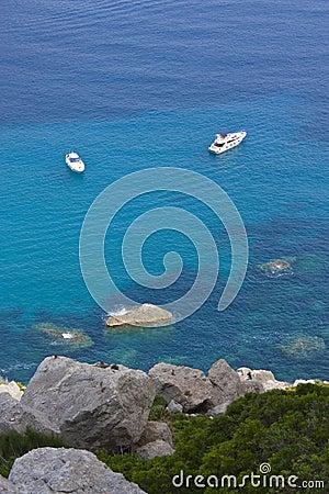 2 boats in sea