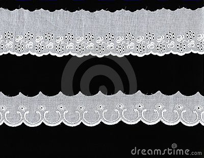 2 different lace borders