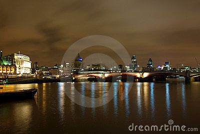 2 London Noc Thames Widok Fotografia Stock - Obraz: 7192292