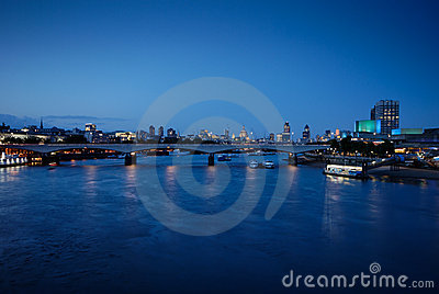 2 мост london waterloo