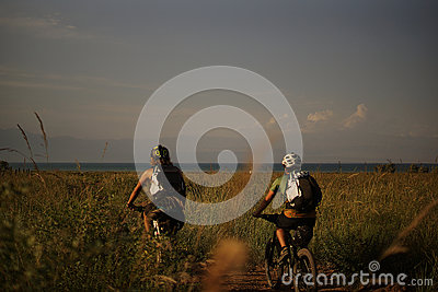 2 People Riding A Bike In The Field Free Public Domain Cc0 Image
