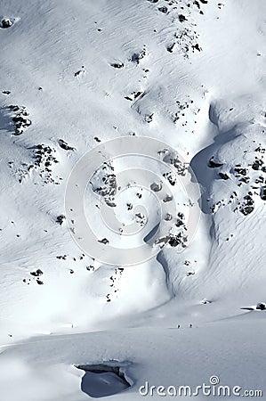 2 skiers on a glacier